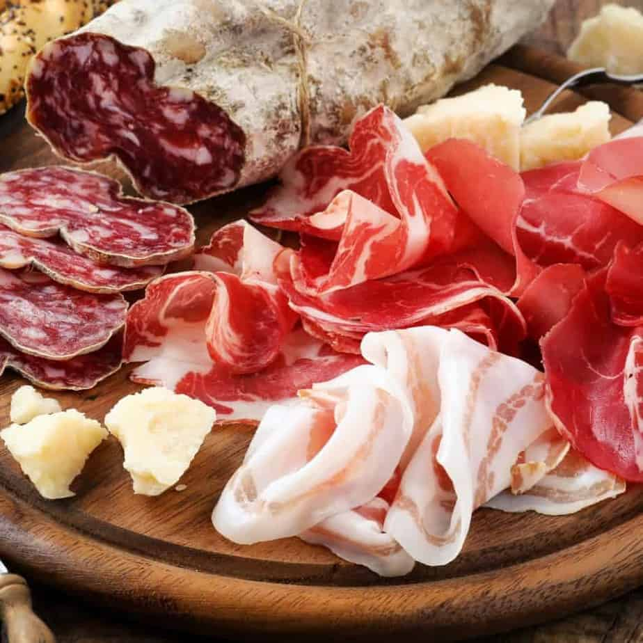 Smoked, Cured, Aged And Dehydrated Meat: Learn The Difference 5